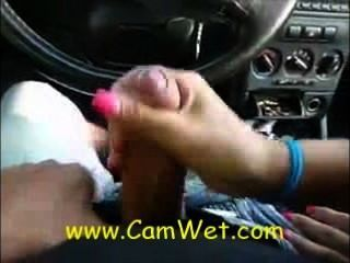 कार परीक्षण के दौरान मौखिक सेक्स