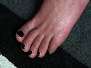 ऊँची एड़ी के जूते में पैर पर सह