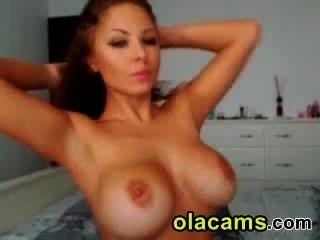 प्यारा किशोर श्यामला कैम पर नग्न