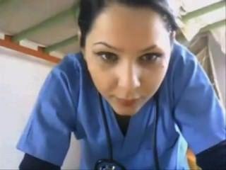 नर्स चमकती