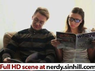 nerdy रूस आकर्षक फ्रायड के अनुसार गड़बड़ - nerdy.sinhill.com