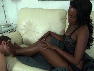 Imani आबनूस पैर की पूजा