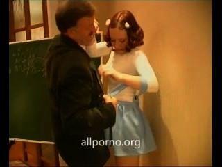 शिक्षक अपने गर्म छात्रा गड़बड़