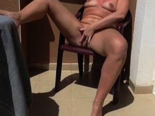 बालकनी mastrubaton सार्वजनिक संभोग