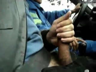 टैक्सी में झटका बंद करने की अनुमति दी