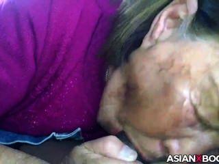 एशियाई परिपक्व अच्छा सिर देता है