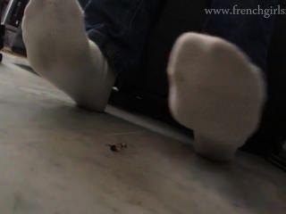 पैर के नीचे की हत्या कर दी