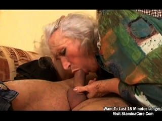 गर्म गर्मी मारिया चुंबन