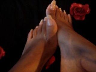 लंबे toenails