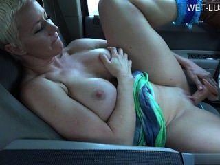 geile hausfrau सह स्तन