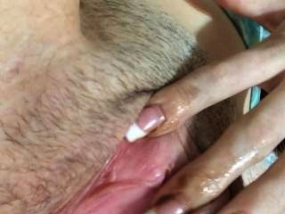 18 साल की लड़की उंगली खुद कमबख्त जब तक वह तो Dat गधा spankin cums