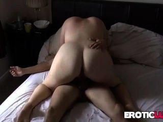 बीबीडब्ल्यू बड़े स्तन के साथ कड़ी मेहनत गड़बड़ हो जाता है