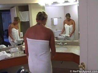 Melyssa Buhl बाथरूम 2