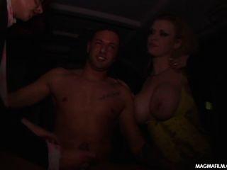 मेग्मा फिल्म भारी स्तन फूहड़ एक अजनबी चूसने