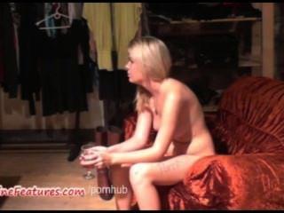 सेक्सी 18yo Blondie पहला कास्टिंग पर उसके शरीर से पता चलता है