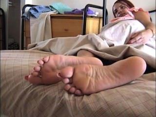 पक्षी लंबे toenails