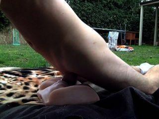 मेरी अद्भुत खिलौना के साथ आउटडोर सेक्स
