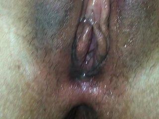 सारा एक गीला योनी है