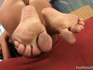 साइरेन Footjob