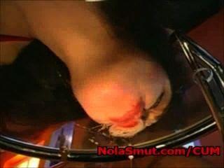 अनीता श्वार्ज एक गिलास मेज से सह licks