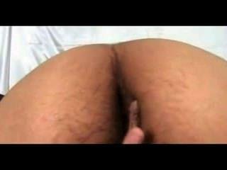 बालों भारतीय लड़की बेडरूम में नग्न रानी उसे बिल्ली घोटाले छूत