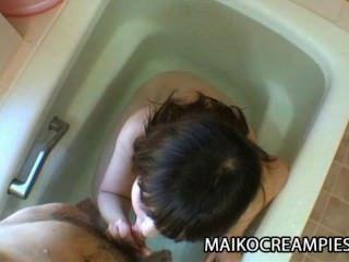 Kaoru Kuriyama - सेक्स खिलौने और हार्ड मुर्गा के लिए अकेला जापानी माँ तरस