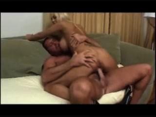 Trina उसके आदमी के साथ cums