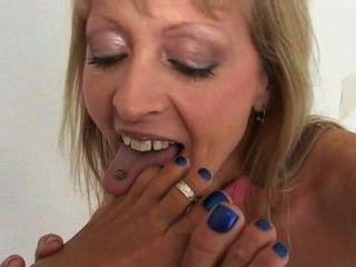 लेस्बियन पैर चाट और पैर की अंगुली चूसने