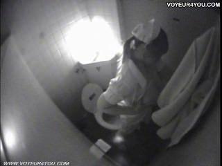शौचालय हस्तमैथुन चुपके से तहलका द्वारा कब्जा