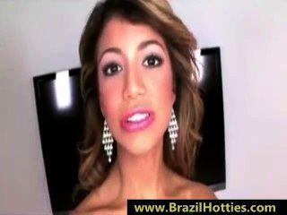 युवा ब्राजील किशोर उसके मुंह के अंदर सह प्यार करता है - brazilhotties.com