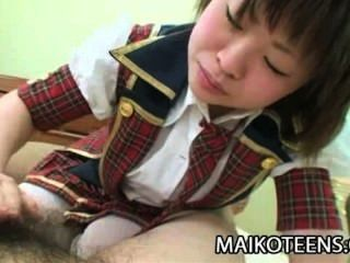 Mayu Nakane - मुश्किल मुर्गा का आनंद ले रहे युवा जापानी