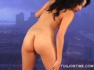 गर्म गधा नग्न श्यामला पीओवी शैली में बड़ा schlong tugging