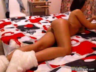 एक ब्रा जाँघिया और काले मोज़ा में हस्तमैथुन - redxxxcams.com