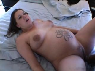 बीबीसी नाखून गर्भवती लड़की