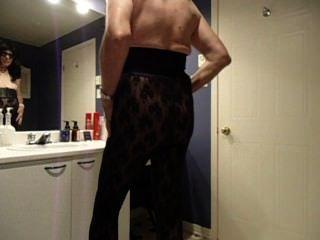 बाथरूम में vanessatv cumshot
