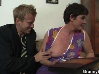 slutty नानी के साथ गर्म सेक्स