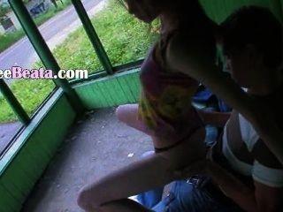 बस स्टेशन पर हमारी पहली आउटडोर सेक्स