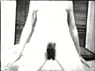 सॉफ़्टकोर जुराब 507 1960 - दृश्य 4
