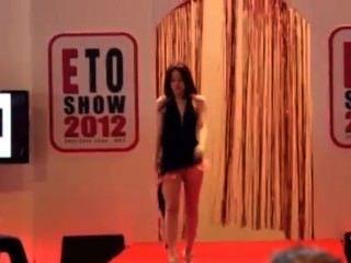खुद के बारे में सेक्सी फैशन शो 2012 भाग 2