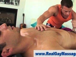 muscley straighty बंद झटका हुआ हो जाता है