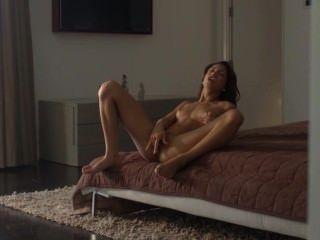 विदेशी सौंदर्य तंग गीला संभोग