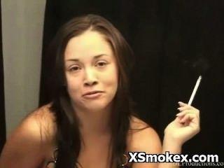 गर्म धूम्रपान बुत जंगली सेक्सी आकर्षक