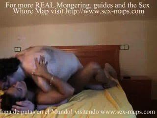 स्पेनिश वेश्या उसे बदसूरत ग्राहक fucks