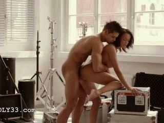 मंच के पीछे में titty कला सेक्स