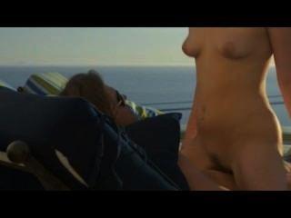 कला सेक्स में समुद्र तट पर गर्मियों में प्यार