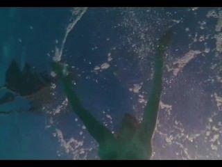 अमांडा लोवेलास में नग्न Seyfried