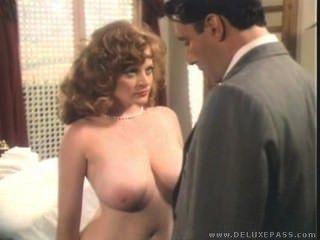 लिसा स्तन पर विंटेज blowjob सह deleuw,