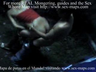 पर्यटकों के साथ काम पर निकारागुआ वेश्याओं