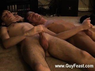 समलैंगिक वीडियो जारेड अपनी पहली समय पर बंद मरोड़ते के बारे में परेशान है