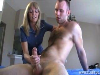 परिपक्व गोरा औरत एक नग्न आदमी बंद जैक